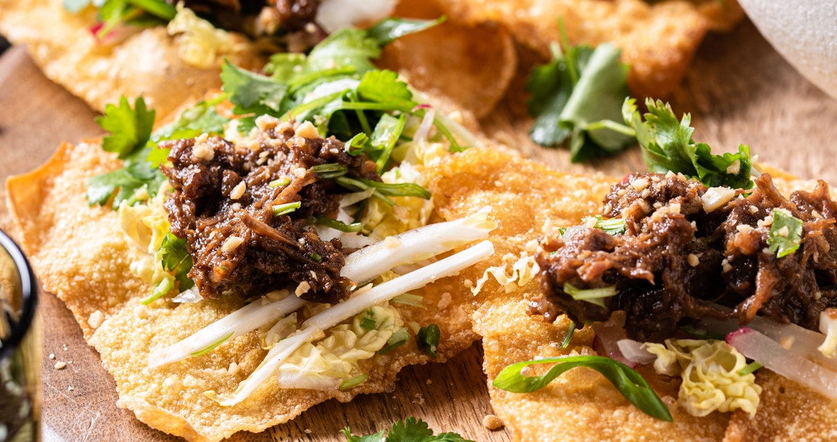 Asian pulled beef nachos